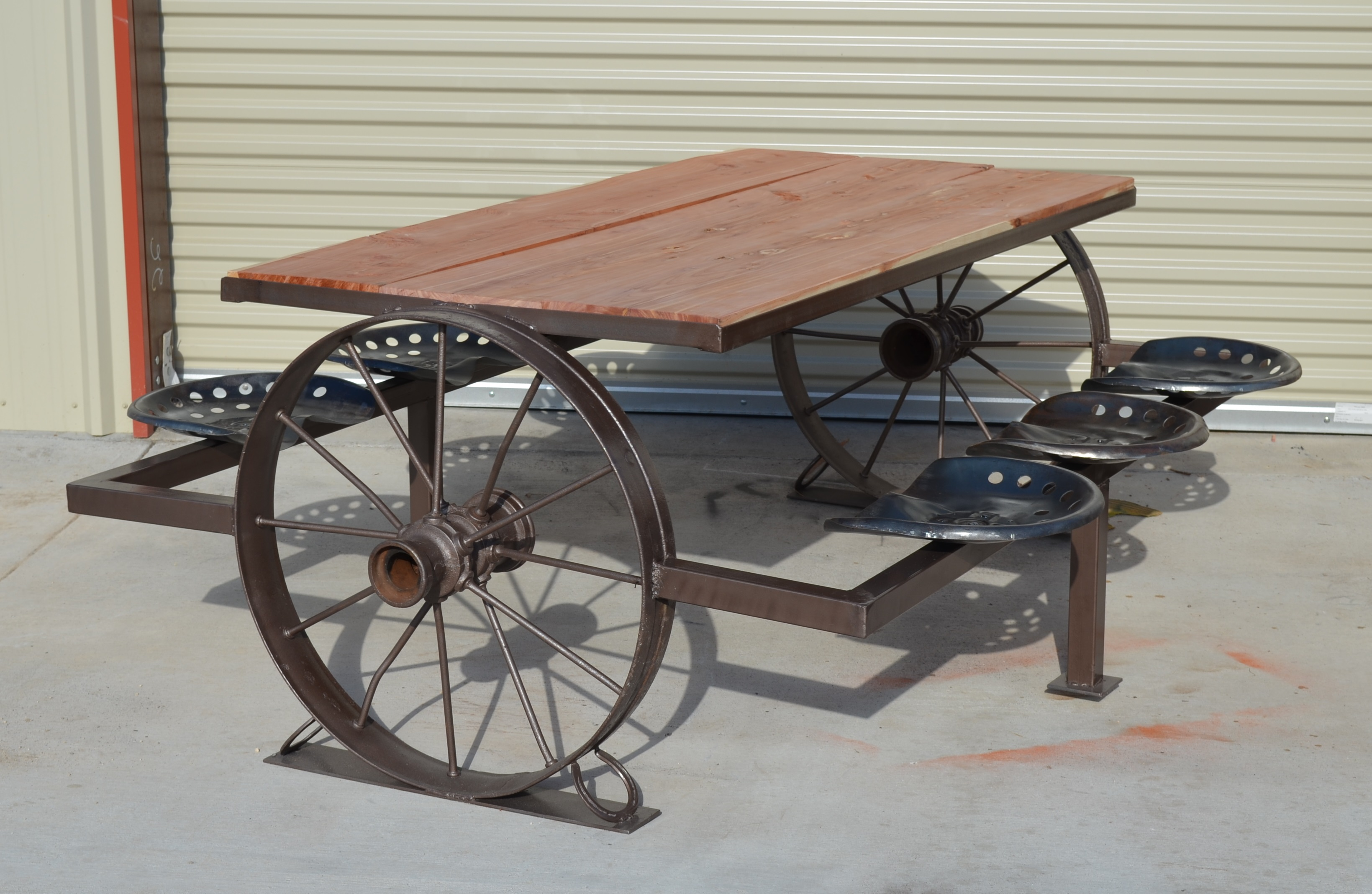 Antique wagon wheel picnic table with cedar top watchthetrailerfo