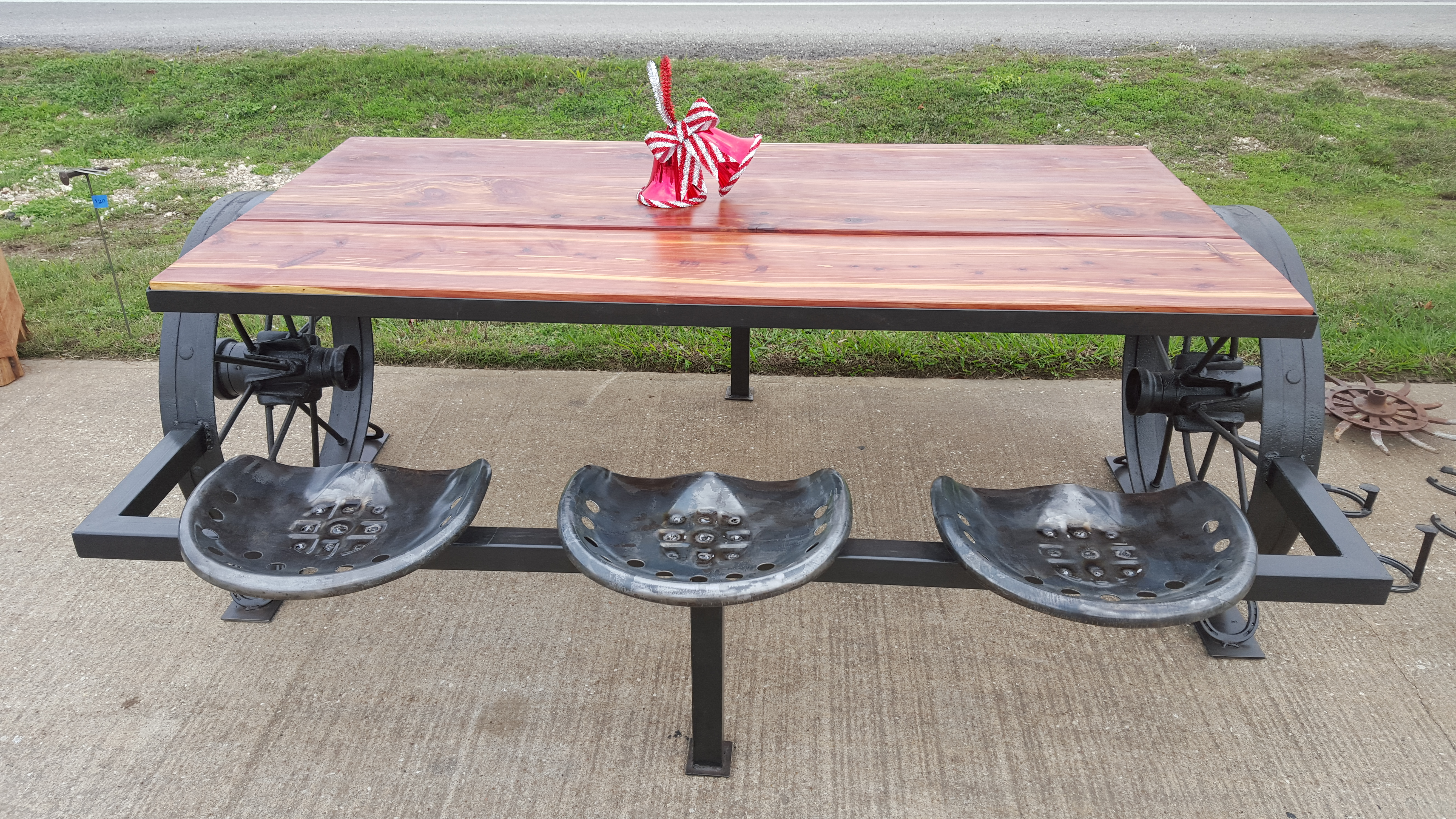 Cedar and Wagon Wheel Picnic Table Sycamore Creek Creations